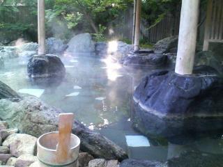 茶寮宗園の露天風呂
